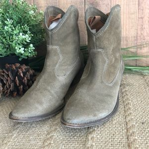 Rustic Western Style Ankle Boots Woman's Size 7.5